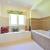 Modne i funkcjonalne meble łazienkowe
